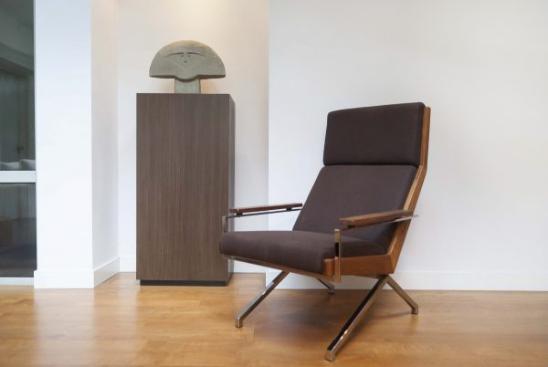 ROB-PARRY-LOTUS-CHAIR