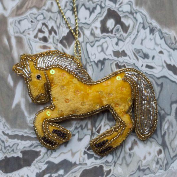 CHRISTMAS-KERSTBAL-HORSE-HANDMADE
