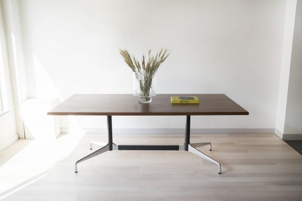 EAMES-VITRA-TABLE