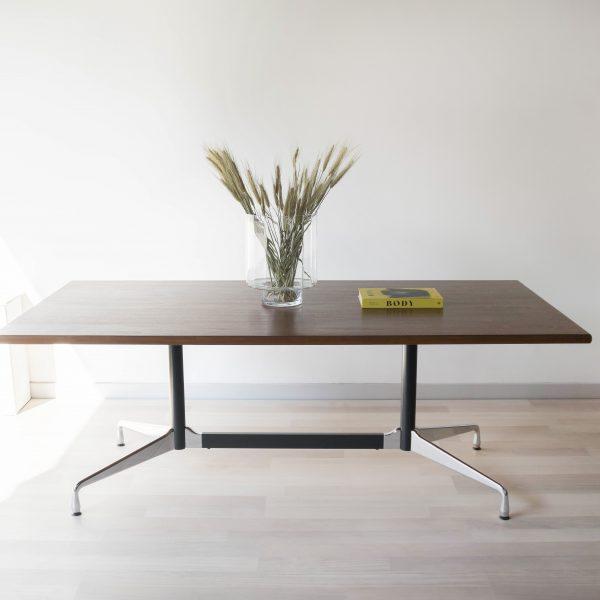 EAMES-VITRA-TABLE